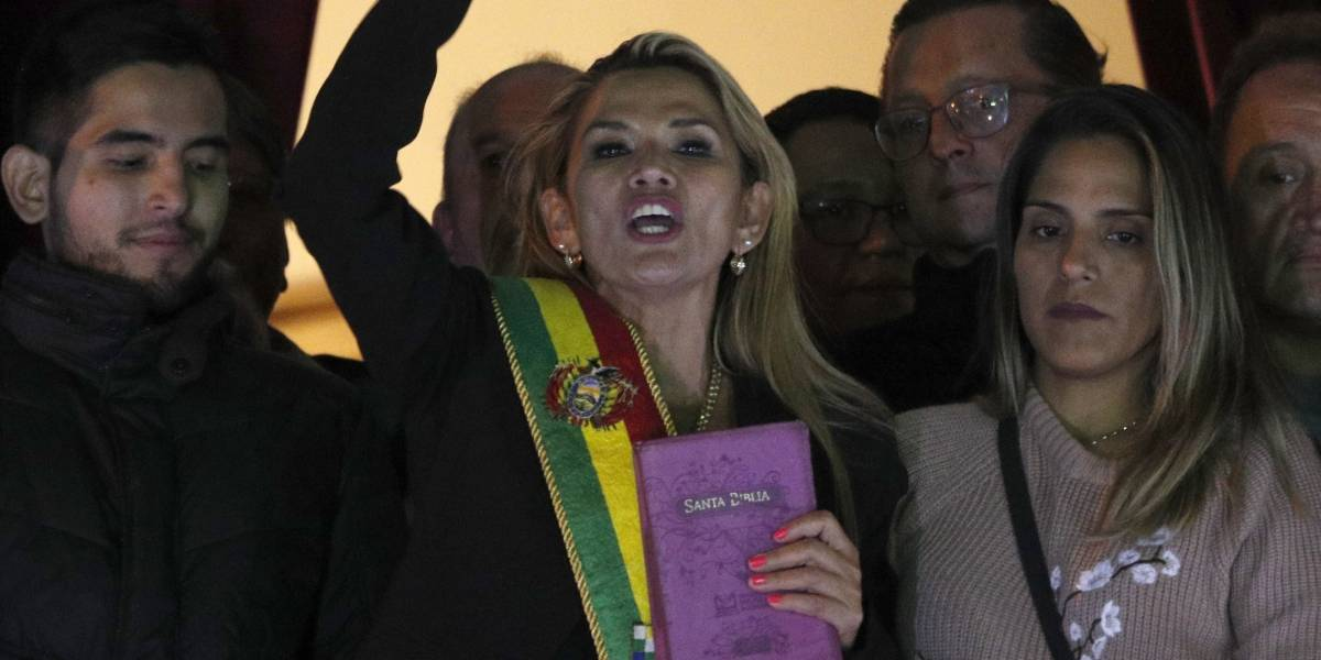 Presidenta de Bolivia arroja positivo al COVID-19