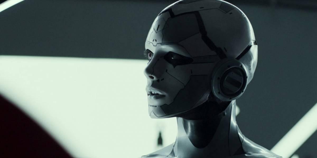 """Stacy Martin: """" Interpretar a un robot es algo muy diferente"""""""