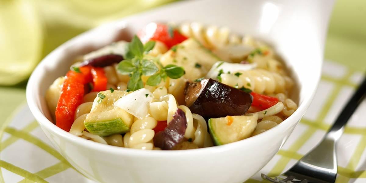Já provou a salada mediterrânea? É uma delícia e a receita está aqui