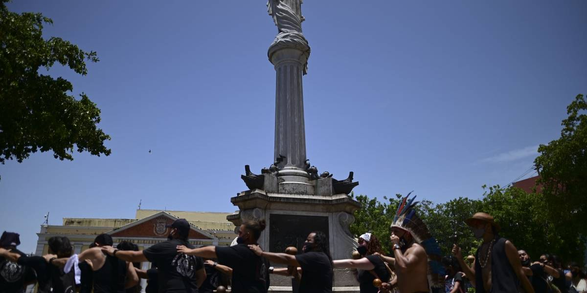 Activistas cuestionan el legado de España en Puerto Rico