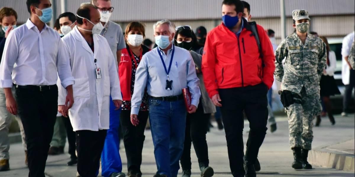 Ministro Paris visita el Hospital de Calama y hace llamado al autocuidado: esa ciudad es una de las más afectadas del país