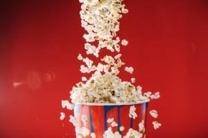 5 pipoqueiras para garantir o sabor de pipoca de cinema sem sair de casa