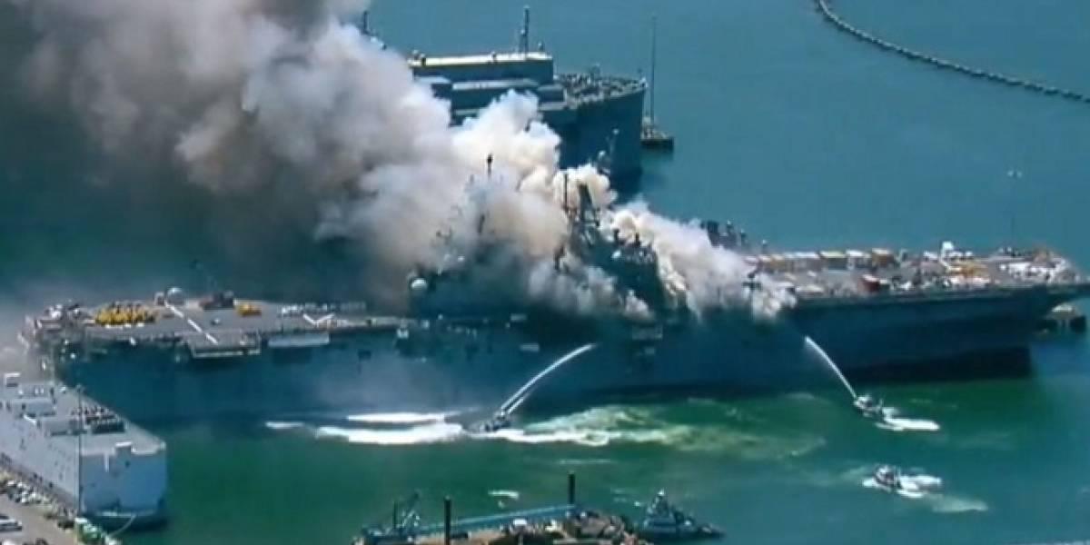 Buque de la Armada de EEUU arde en base de San Diego