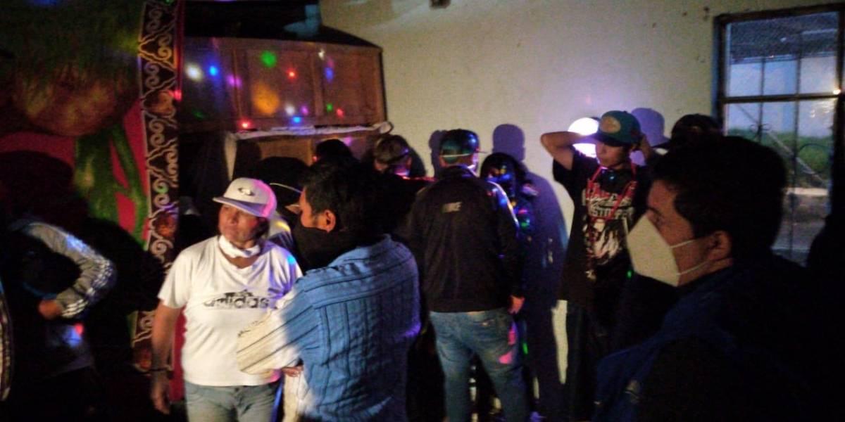 Fiesta clandestina con 77 personas en el Comité del Pueblo, norte de Quito