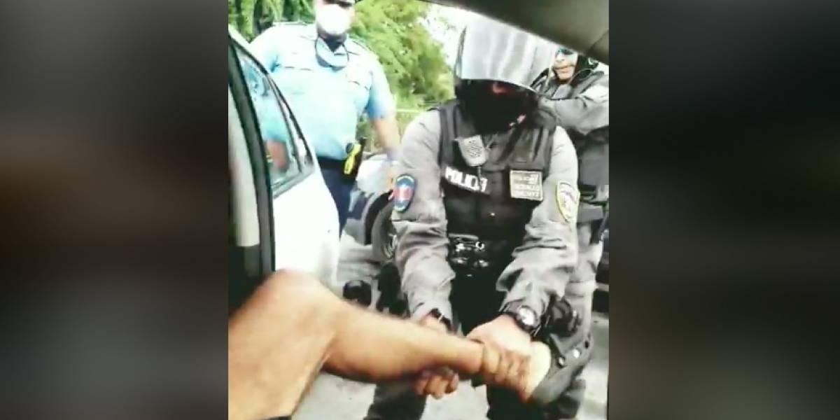 Exigen explicaciones sobre arresto de joven durante caravana de Pierluisi