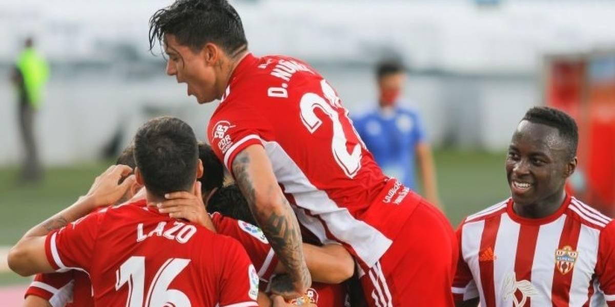Fútbol/Segunda.- (Crónica) El Almería se lleva un carrusel ante el Rayo y se coloca a un punto del ascenso