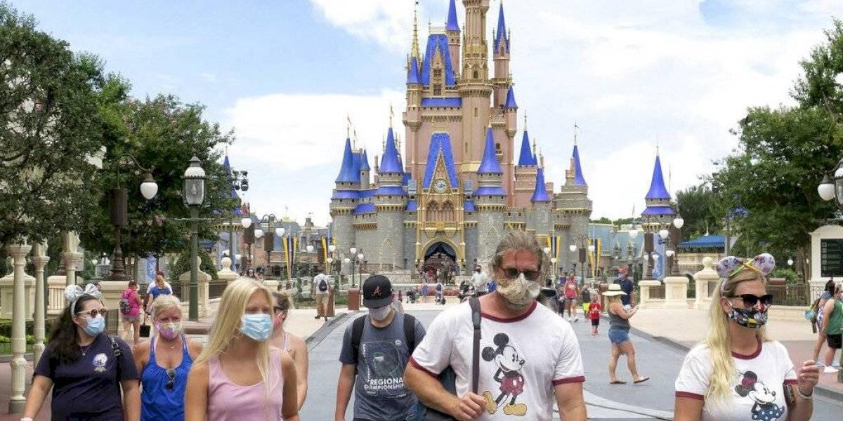 Disney cambia sus reglas de seguridad y exige mascarilla en todo momento