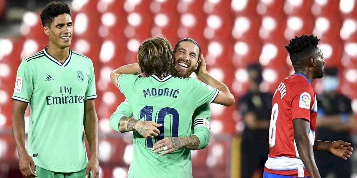 Real Madrid ya acaricia el título tras vencer 2-1 al Granada
