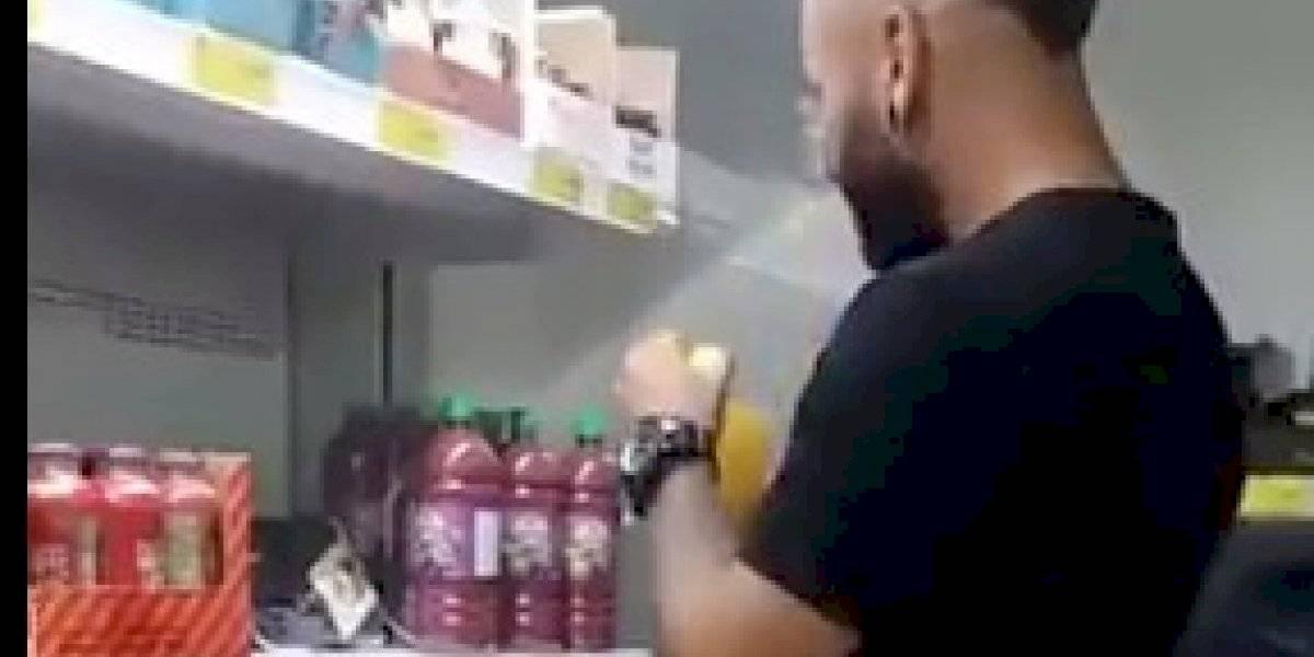 Indignación en Medellín: hombre probaba jugos en supermercados y los volvía a tapar