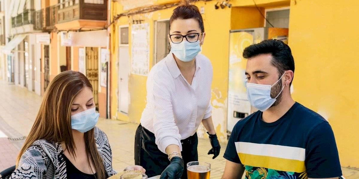 Task Force médico recomendará cierre de bares y restaurantes por aumento en casos de COVID