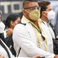 Colegio de Médicos de Pichincha piden a las autoridades más restricciones por el feriado