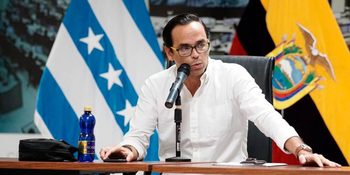 Gobernador del Guayas presenta renuncia al Presidente Moreno