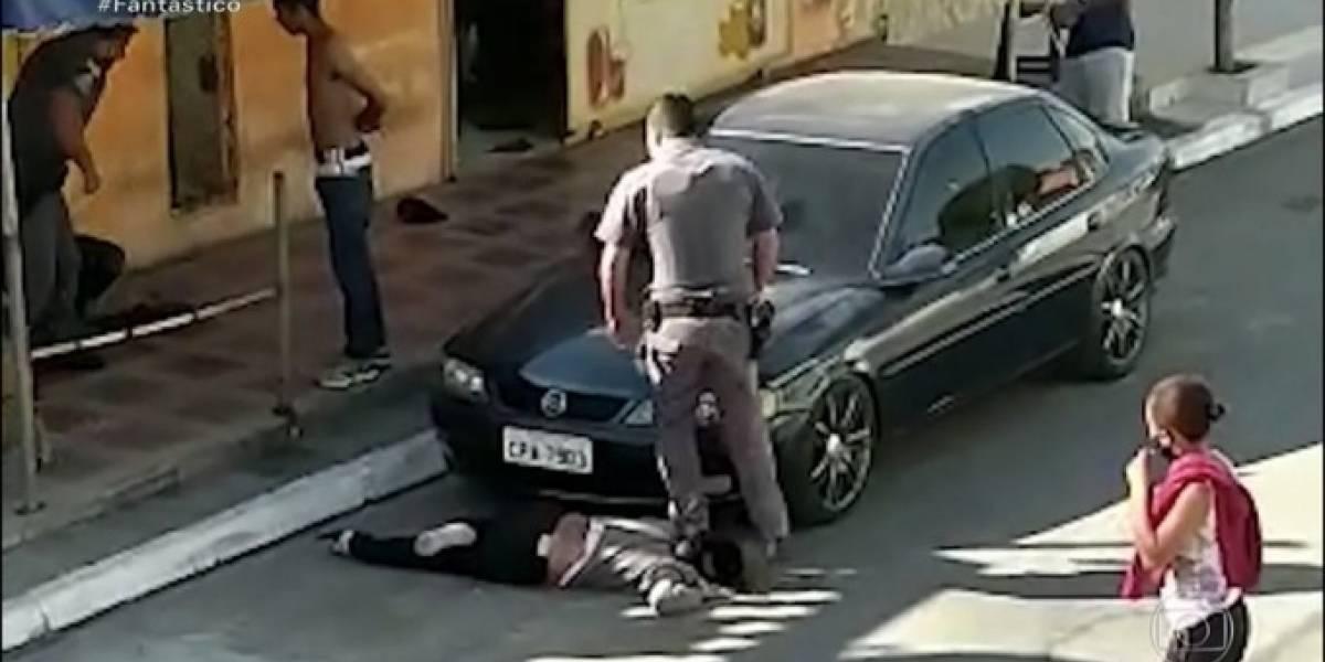 Movimentos negros denunciam à OEA policial que pisoteou pescoço de mulher em SP