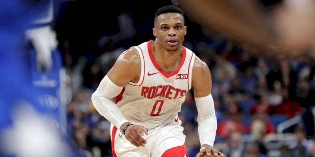 Russell Westbrook, de los Houston Rockets, da positivo a COVID-19