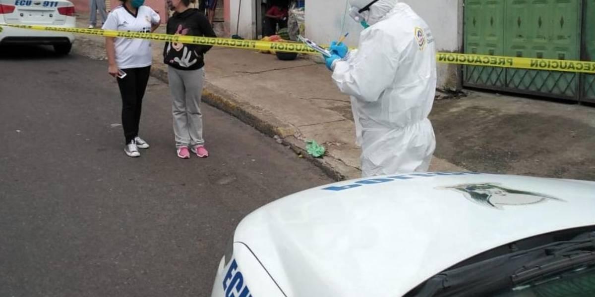 Criminalística de Quito ha realizado el levantamiento de 115 cadáveres COVID-19