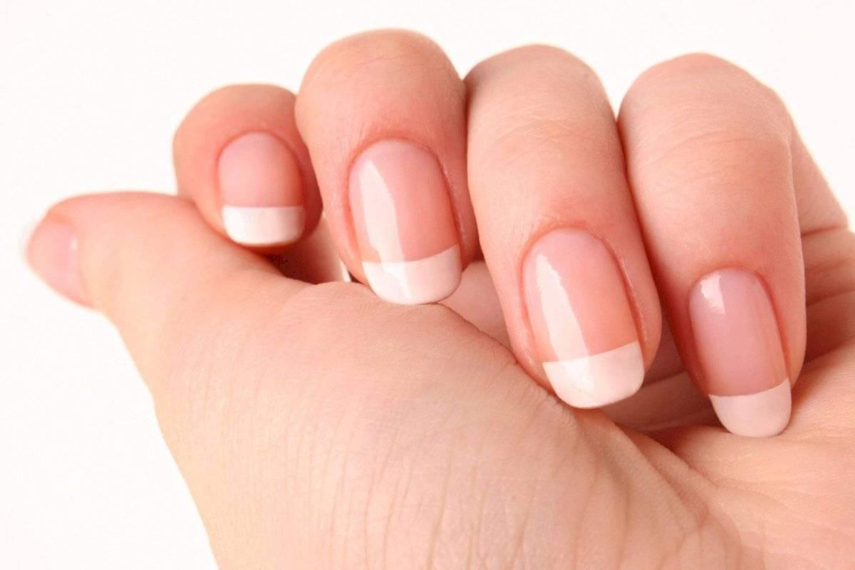 La leche con limón ayuda también a aclarar las uñas y hacerlas más uniformes