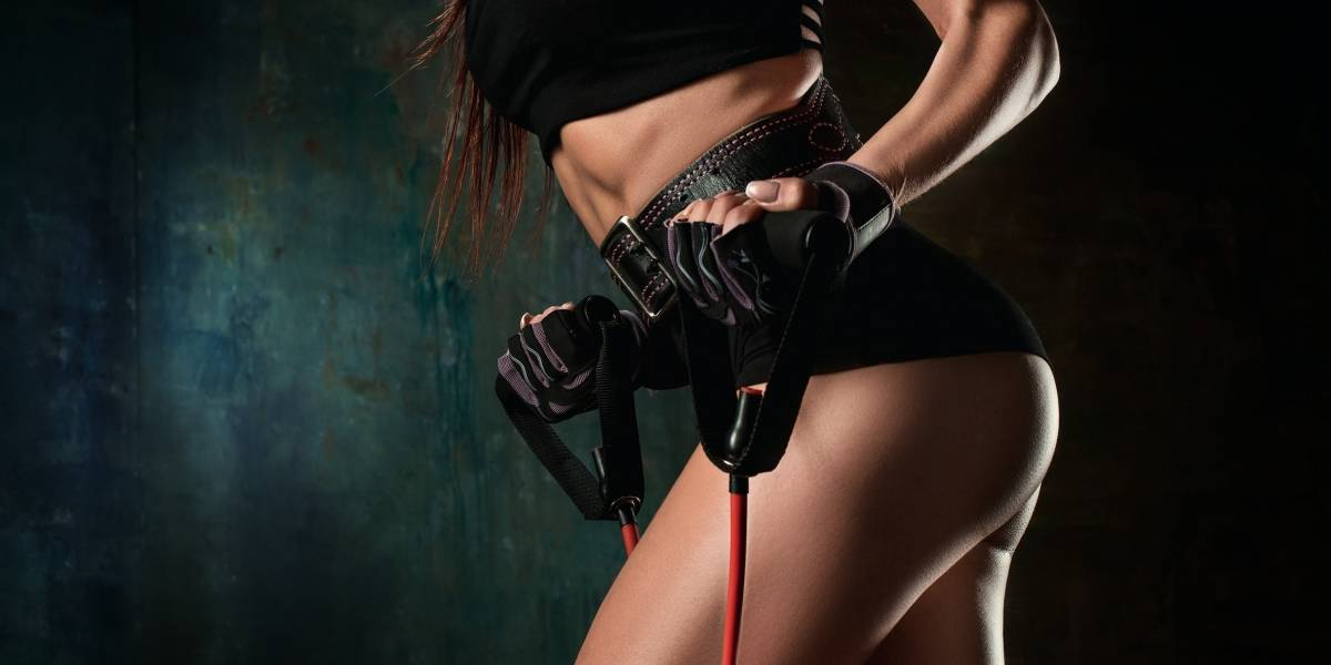 Barriga chapada: rotina rápida de exercícios para fazer em casa