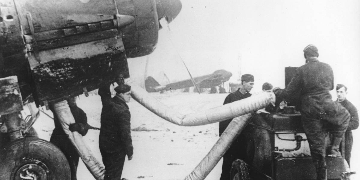 Impactantes fotos de descubrimiento de fosa de 18 paracaidistas nazis en Polonia