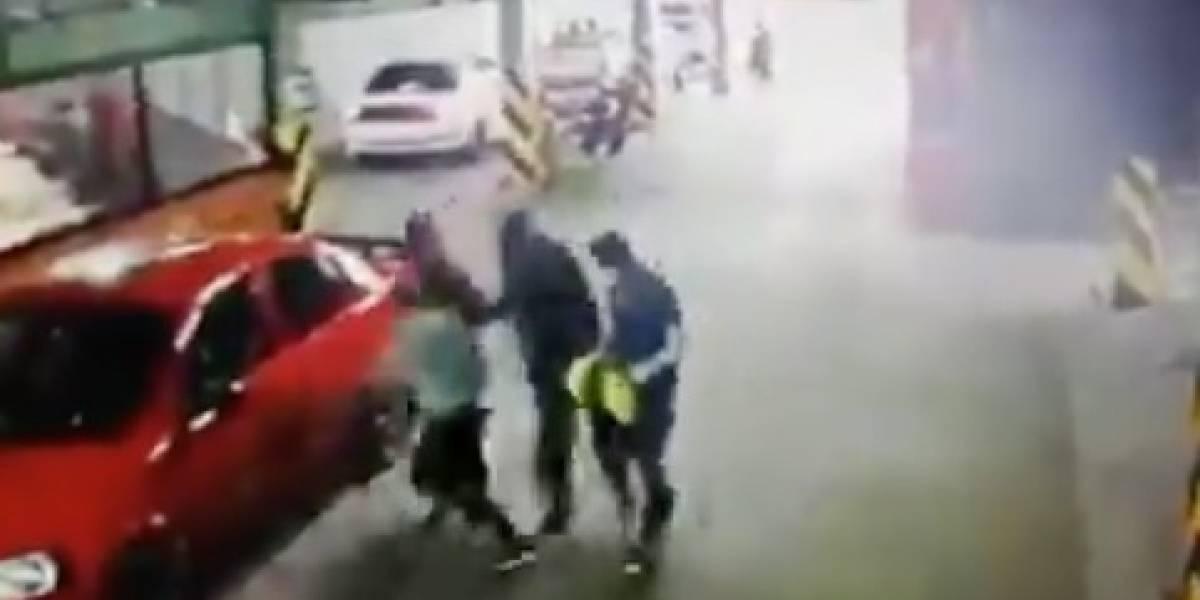 Mujer es atacada con cuchillo en un parqueadero de Cuenca