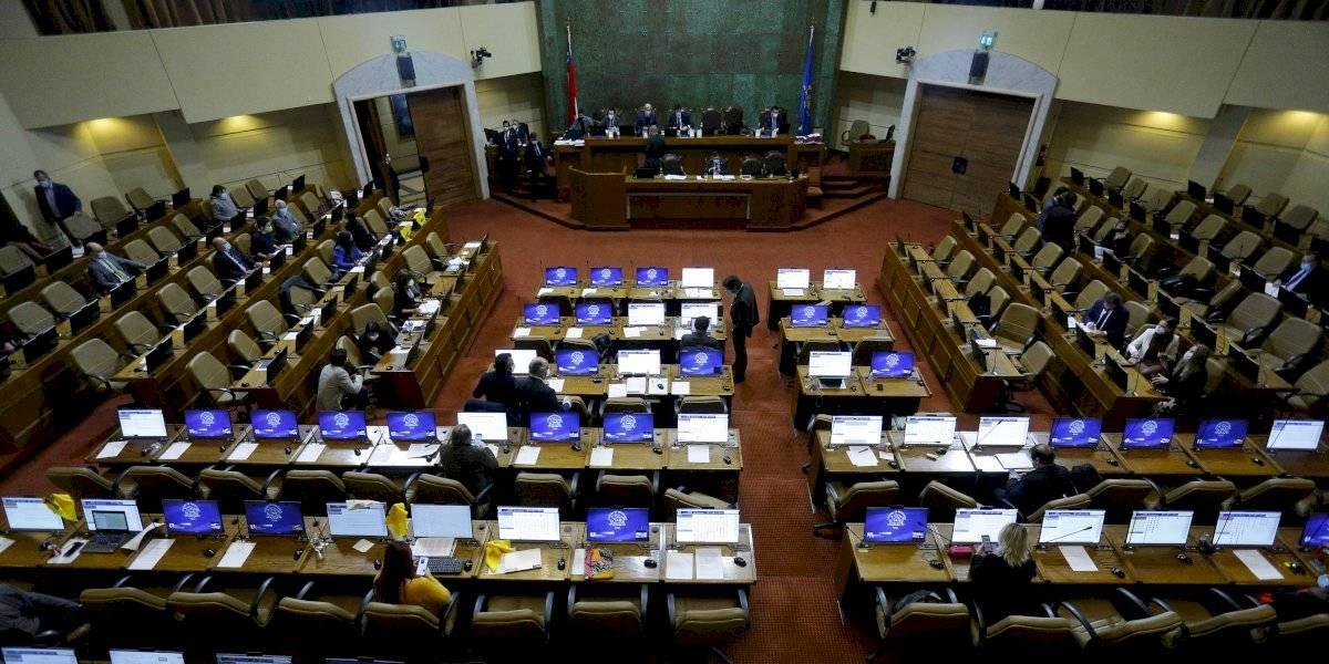 La oposición apuntó al Frente Amplio por no participar en primarias
