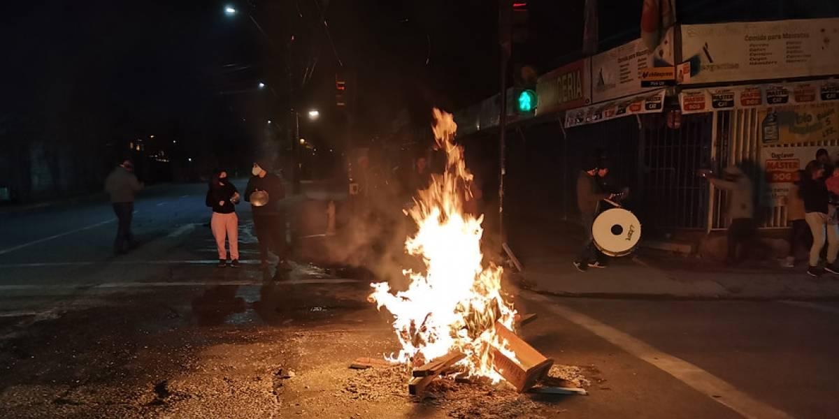 Gobierno presenta nueve querellas tras intensa noche de protestas en la Región Metropolitana