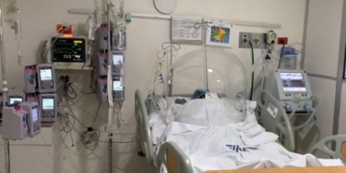 Por falta de equipos para tratar un derrame cerebral, una mujer lucha por su vida