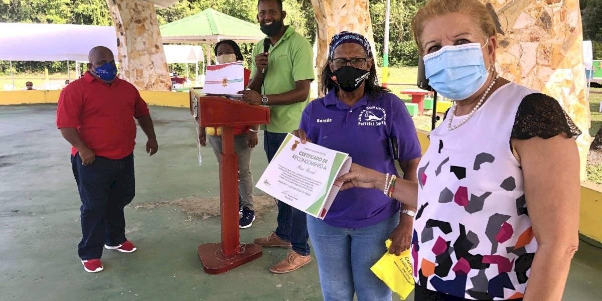 Loíza reconoce a voluntarios que distribuyeron 69 mil almuerzos de comedores durante la pandemia