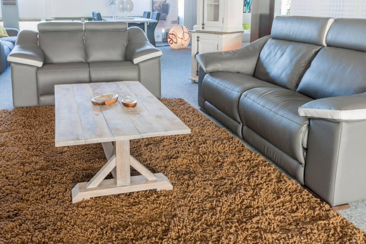 Un acto tan sencillo como cambiar los muebles de lugar será fundamental para redecorar el salón de tu casa