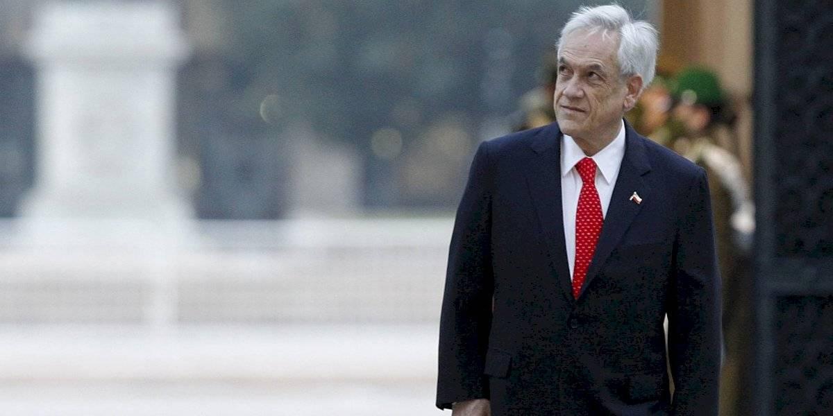 Cadem: aprobación a la gestión de Piñera baja a un 19% y un 47% está en desacuerdo con el desconfinamiento