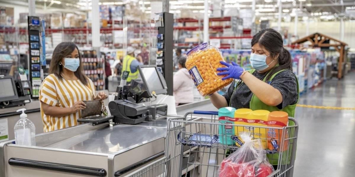 Walmart y Costco dejarán de exigir mascarillas a clientes vacunados