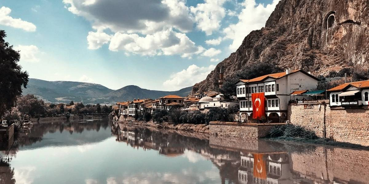 Visando retomada do turismo, Turquia oferecerá seguro saúde para turistas
