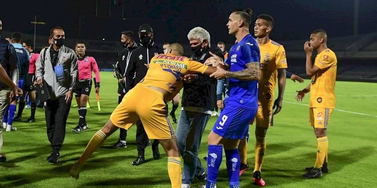 VIDEO: Guido Pizarro y Siboldi, cerca de los golpes tras partido