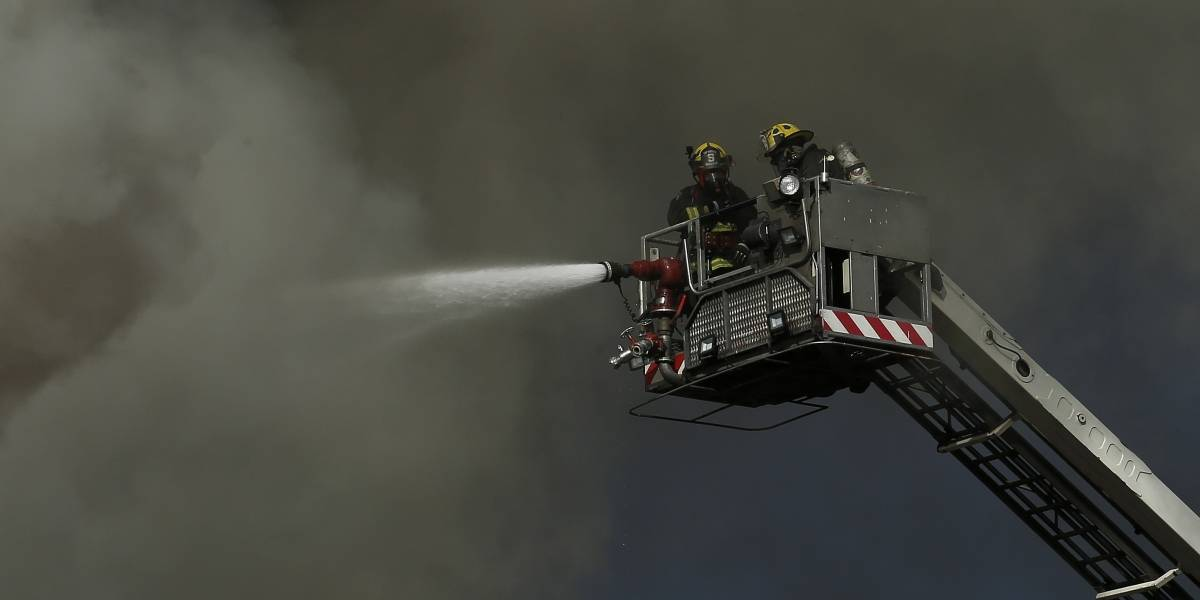 Drama en la Florida: mueren dos niños en incendio que destruyó dos departamentos