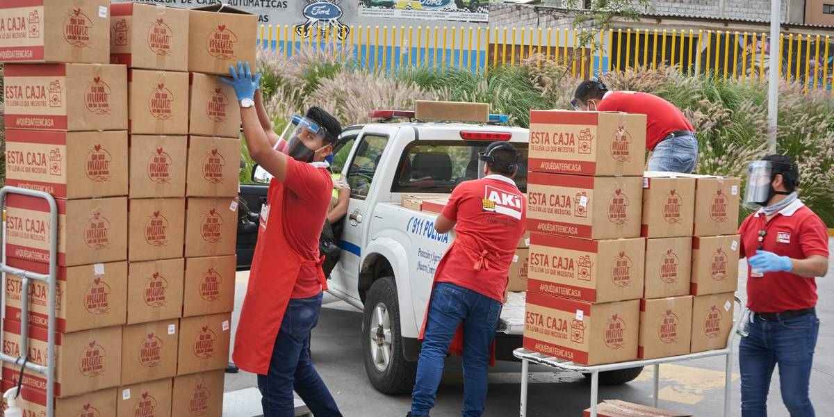 Corporación Favorita entrega 400 mil kits de alimento y aportes a fundaciones