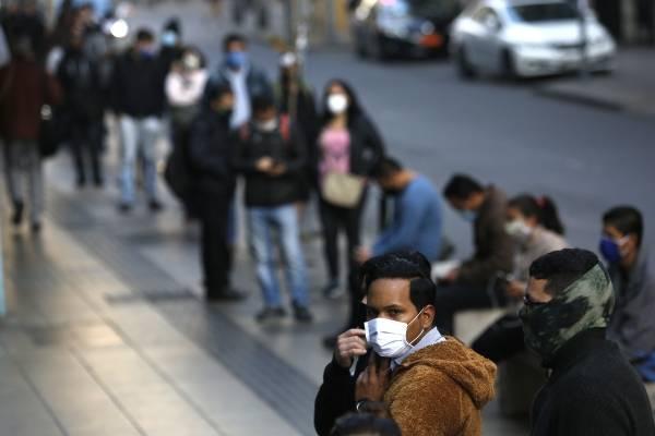 Dramático: un tercio de los chilenos dice que no recuperará su solvencia financiera tras pandemia de coronavirus