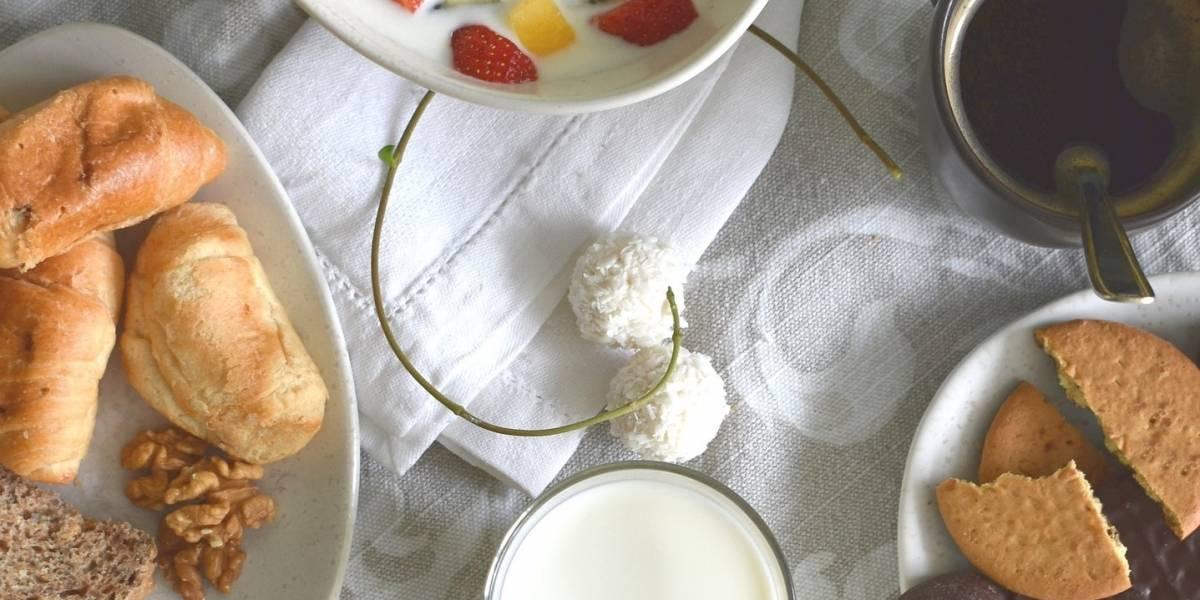 Os alimentos comuns que podem aumentar o inchaço abdominal
