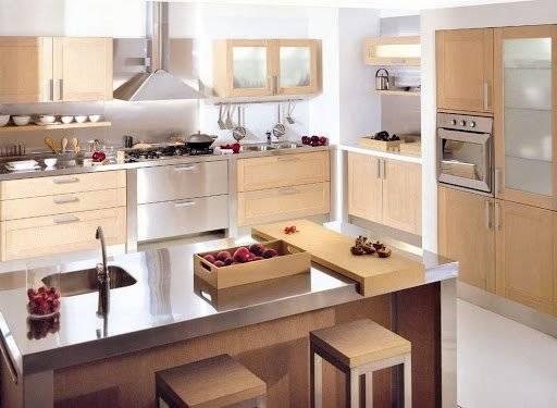 En la cocina deben sobresaltar la madera y el acero