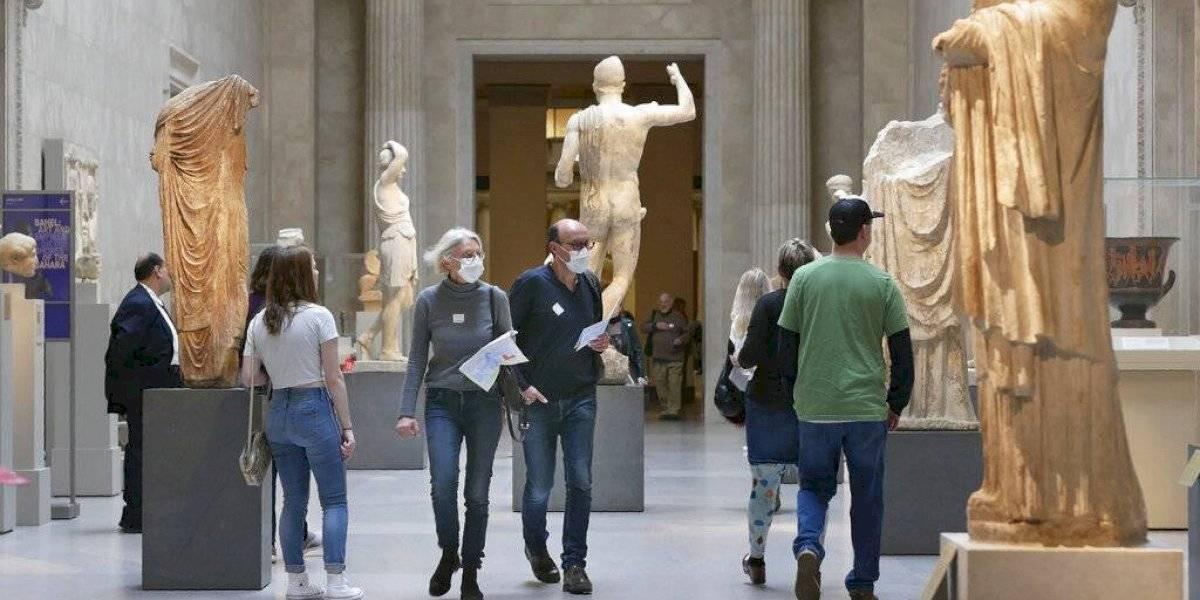 Nueva York reabre museos y gimnasios pero con limitaciones