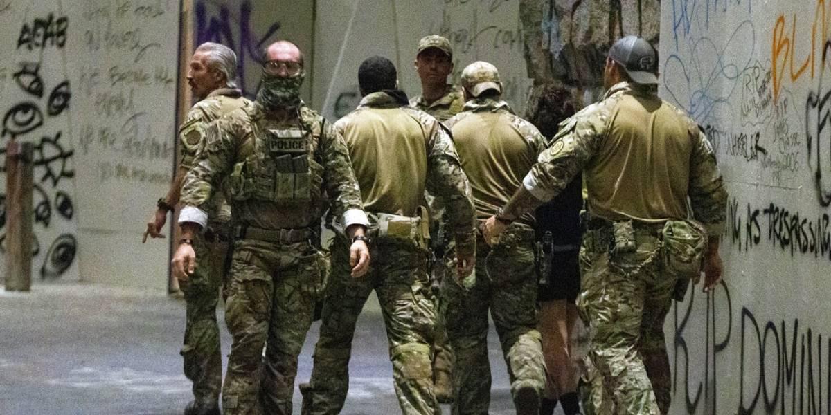 Condenan acciones de agentes federales en la ciudad de Portland
