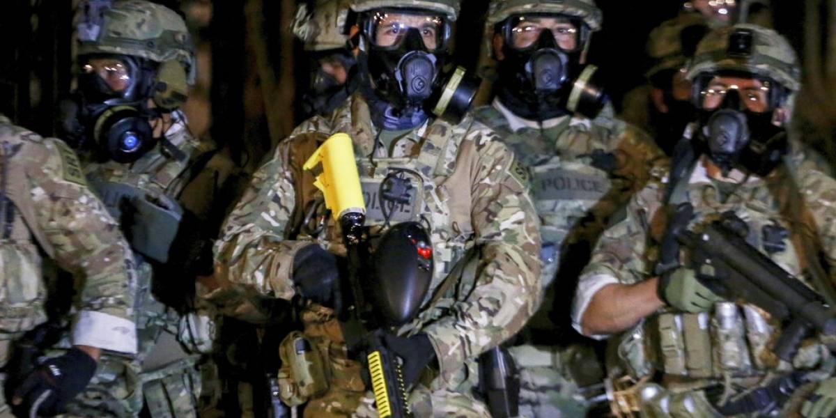 Rocían gas lacrimógeno a manifestantes en Portland