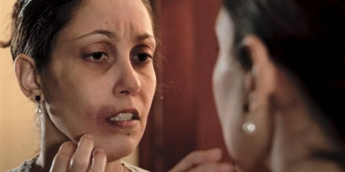 Cantora gospel muda clipe após ser acusada de romantizar violência doméstica