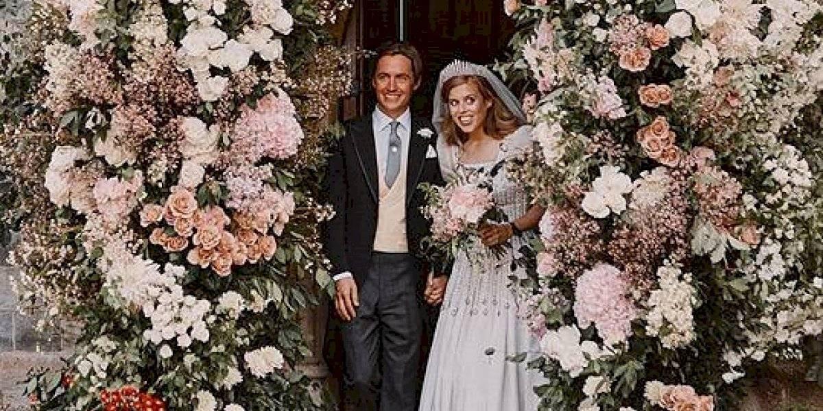 """Princesa Beatriz """"recicló"""" un vestido de la Reina Isabel II para usarlo en su boda"""