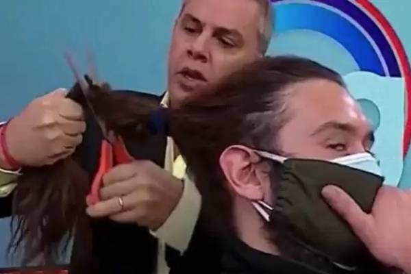 Caso Viñuela: camarógrafo al que le cortó el pelo en vivo recibió $350 mil del animador