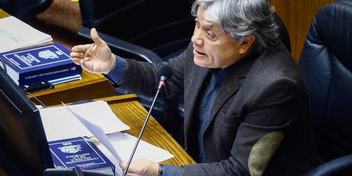"""Senador Navarro también acusa amenazas de muerte: """"Publicaron una foto con balas de acero y donde pedían mi cabeza"""""""