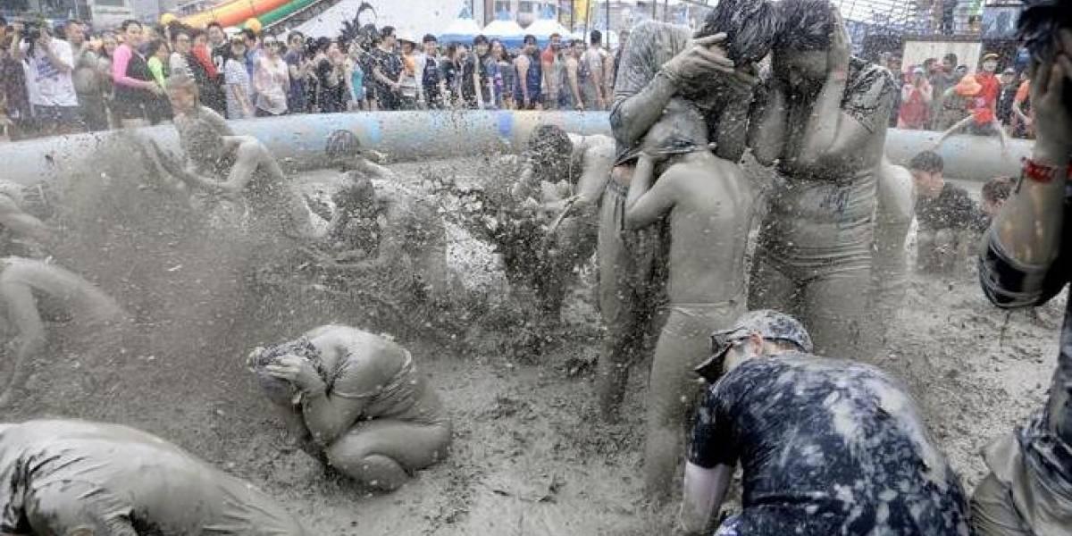 En Corea del Sur celebran el Festival del Barro a pesar del coronavirus