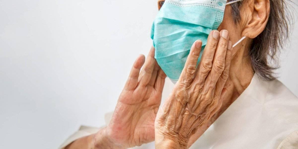 Familia y Salud advierten cerrarán hogares de adultos mayores que no cumplan con medidas por el COVID