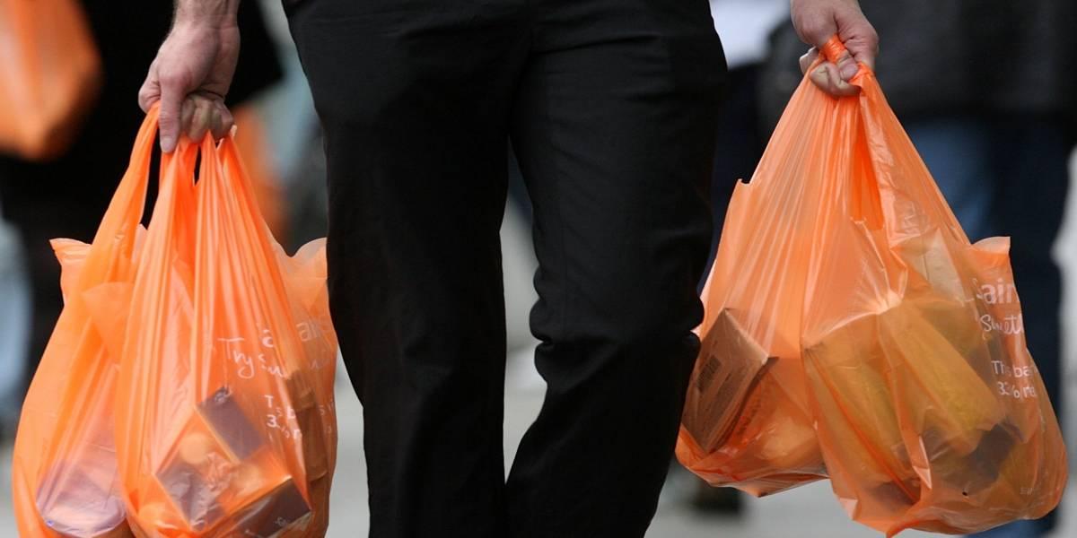 Desde el 3 de agosto no se entregarán más bolsas plásticas en ferias ni almacenes: conoce los detalles de la última etapa de la ley
