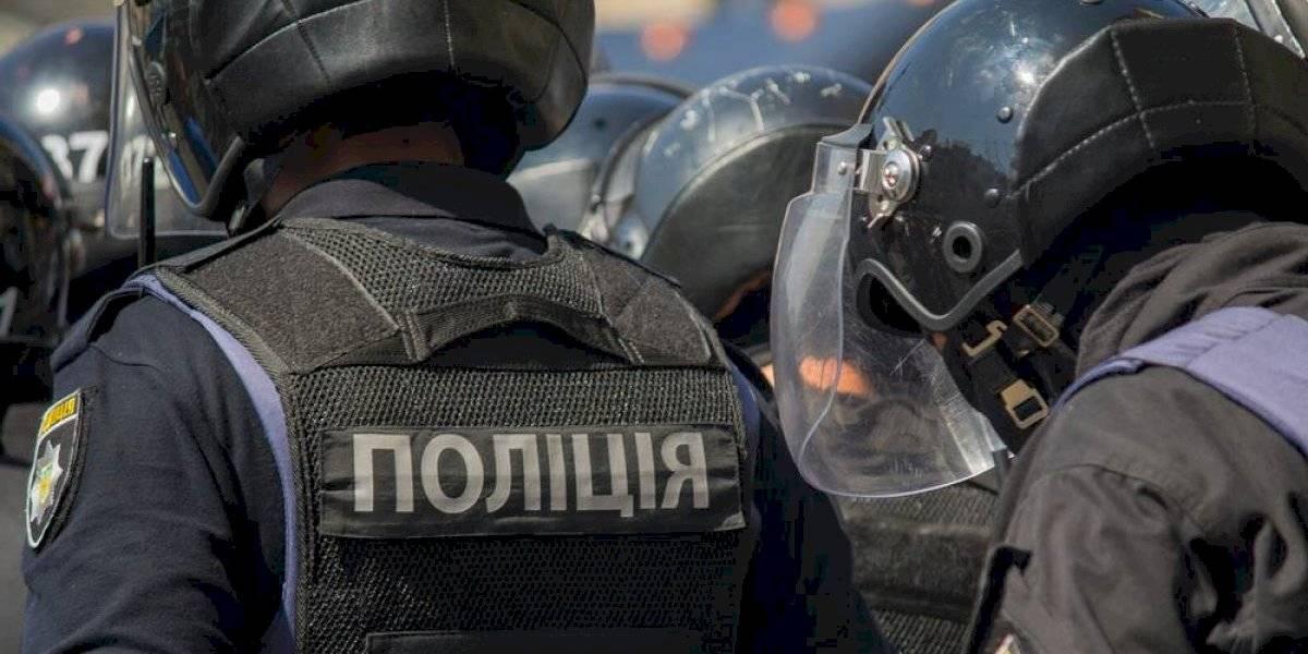 Crisis en Ucrania: hombre se atrinchera en un banco y amenaza con hacerlo explotar
