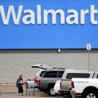 Anónimo paga $50 mil en mercancía separada de otras personas en una tienda