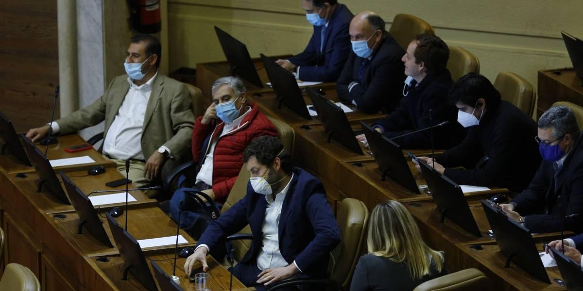 Diputados aprueban en general proyecto que suspende alza de planes de isapres... solo en pandemia